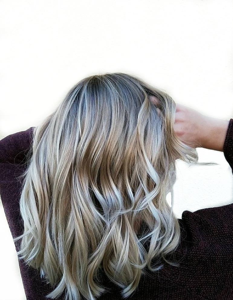 Foilage blonde hair
