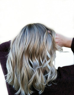 Foilage blonde hair