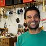 Syrisk møbelpolstrer: 'Det er vigtigt at smile'