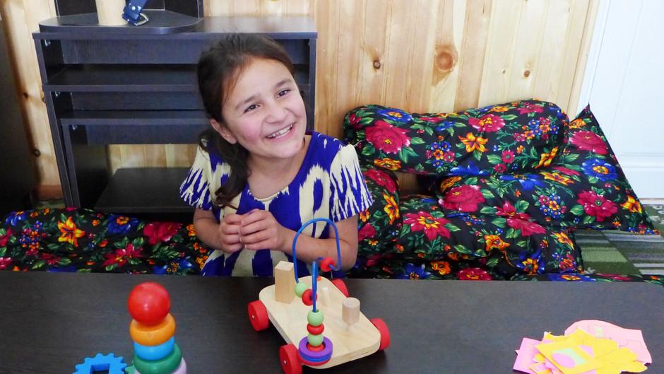 Kreative medarbejdere sikrer, at center for børn med handicap kan fortsætte