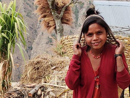 Coronaramte piger i Nepal får nu hjælp fra tv-indsamling