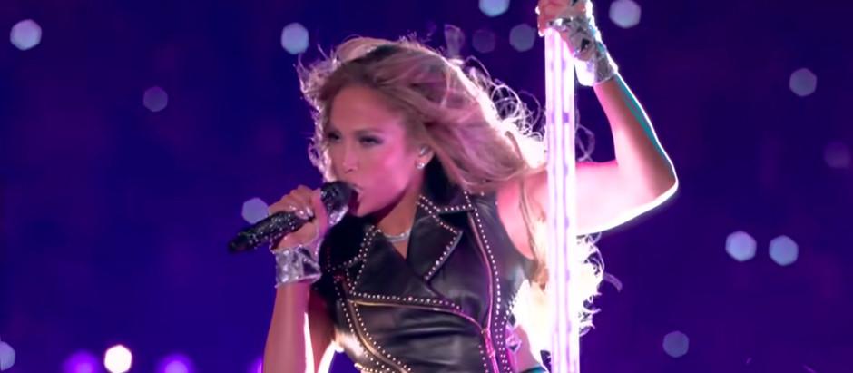 """Da J-Lo sang """"Born in the USA"""" iført det puertoricanske flag"""