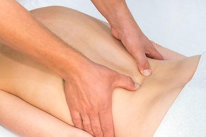 Osteopathie am Rücken.jpg