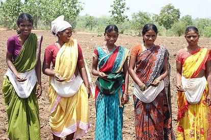 Frauen mit Saaten (002).jpg
