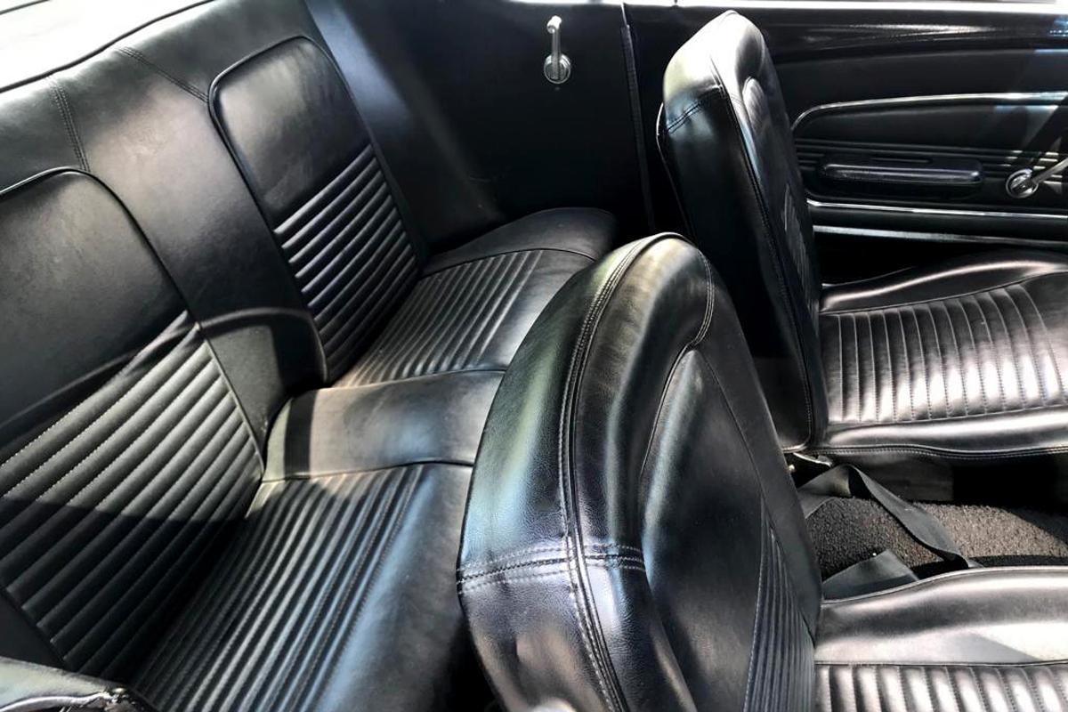 Mustang-noire-4