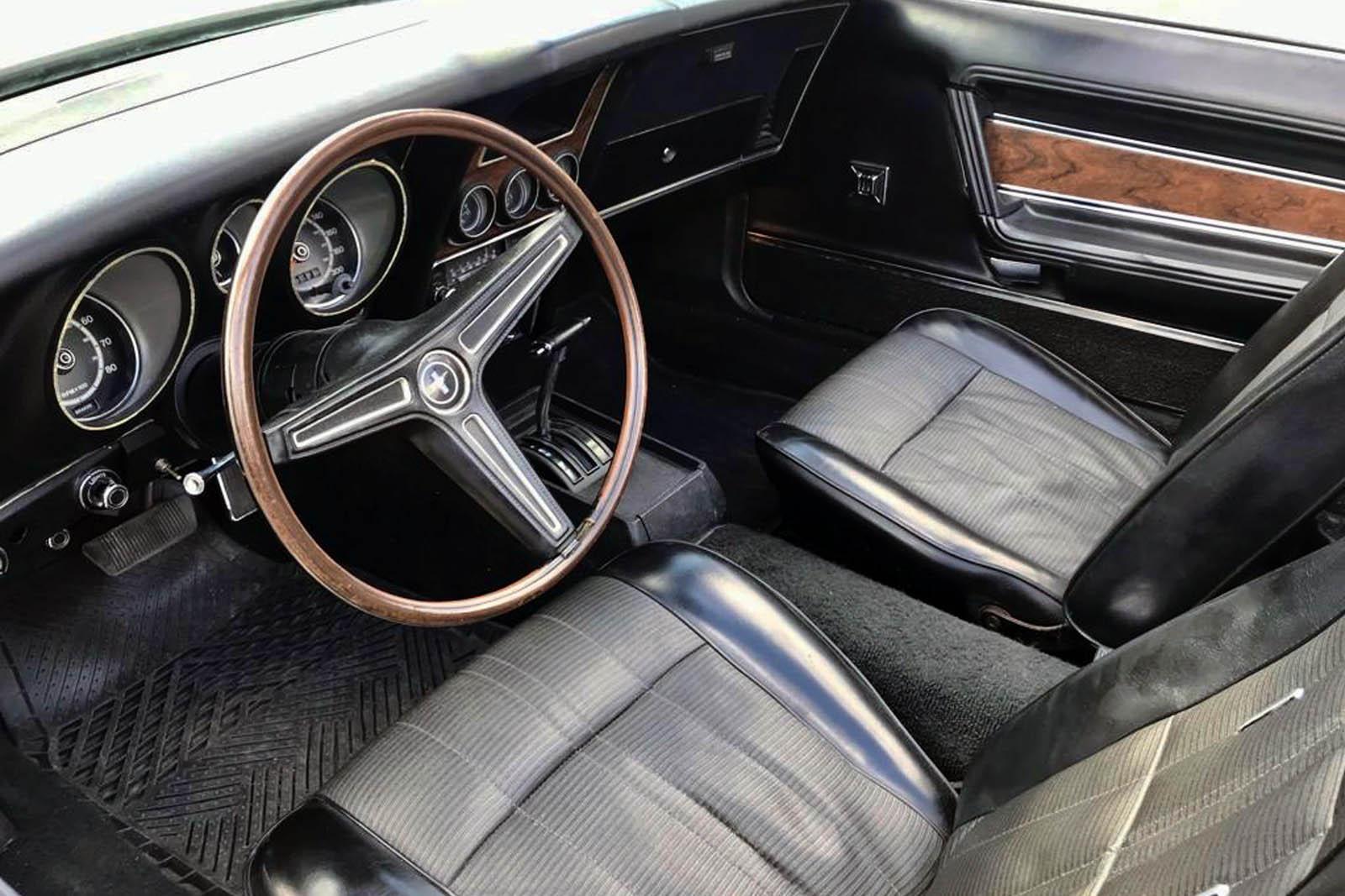 Mustang Cabriolet Noir6 Paris