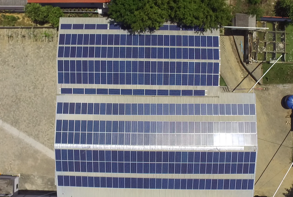 Foto aérea do sistema instalado na Empresa Daksul Jeans em Rio do Sul.