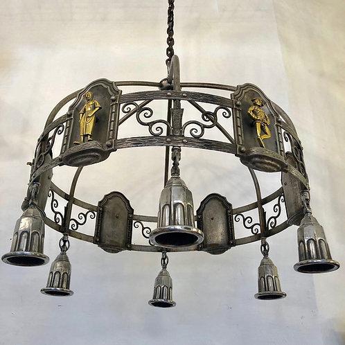 Beeindruckender Deckenleuchter mit sechs Bronzen