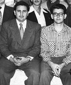 Fidel_Castro-Abel_Santamaría.jpg