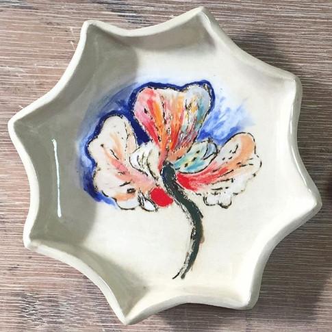 flower in sunshine plate