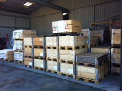 Low height pallet collar storage