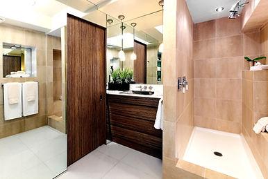 75Lansing Bath1