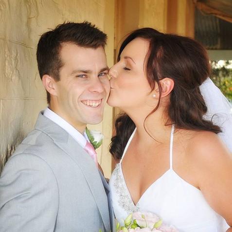 #wedding #happy couple #kissing #photogr