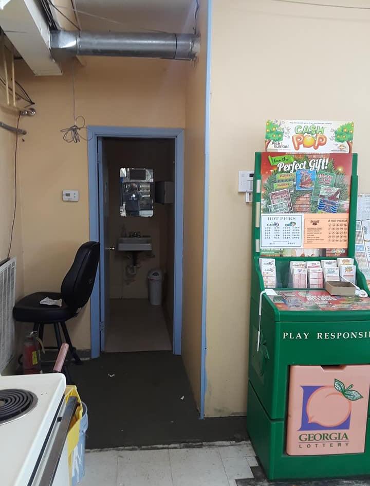 Shop_11.jpg