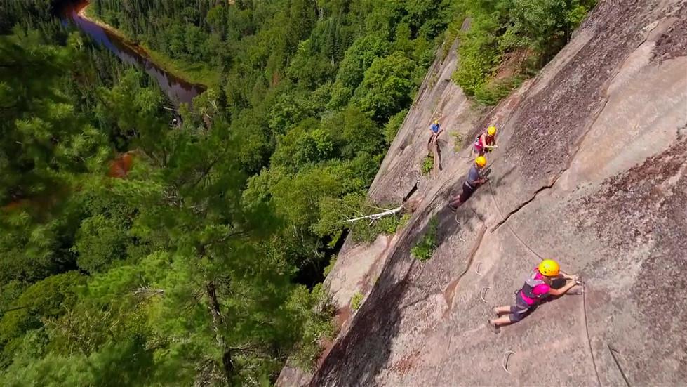 Tourisme Mont-Tremblant (online-video-cu
