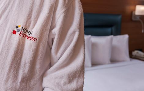 Robe de chambre/ Bathrobe
