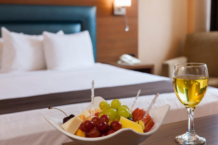 Service de chambre dispo/ Room service