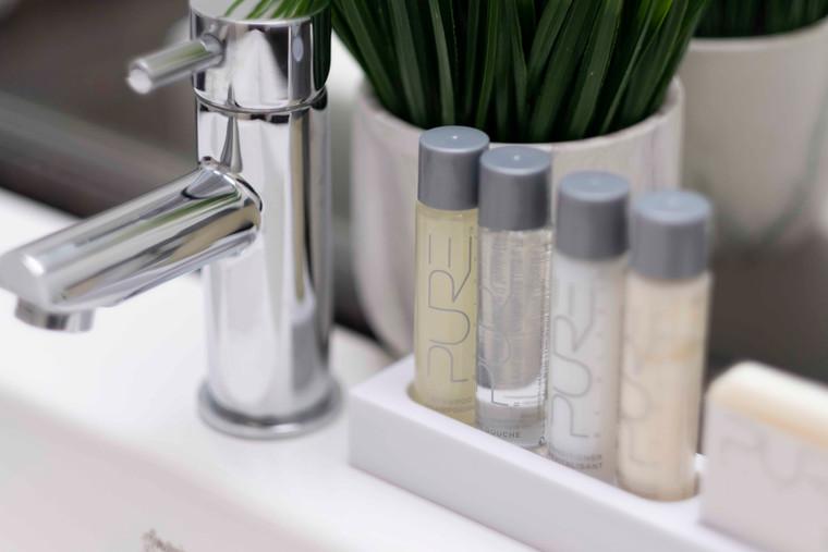 Toiletries / Articles de bain