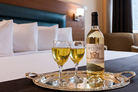 Vin à votre chambre/ Wine in your unit