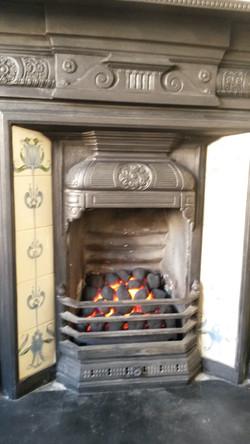 Decorative coal effect gas fire