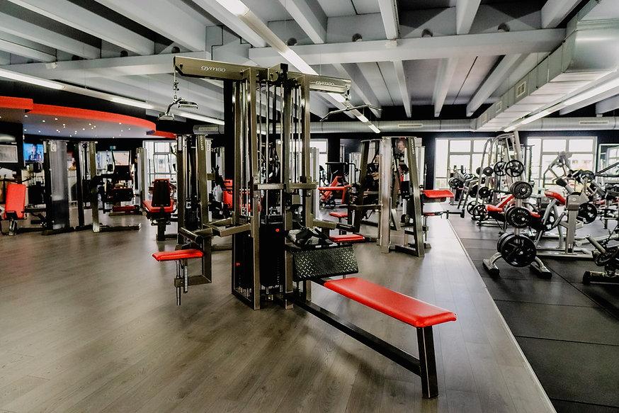 Arcadium Fitness Ansbach Gerätetraining Muskelaufbau Fit werden