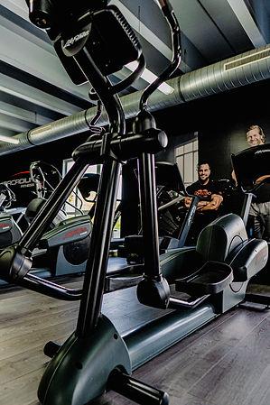 Arcadium Fitness Ansbach Crosstrainer Cardiotrainer Herz Kreislauf