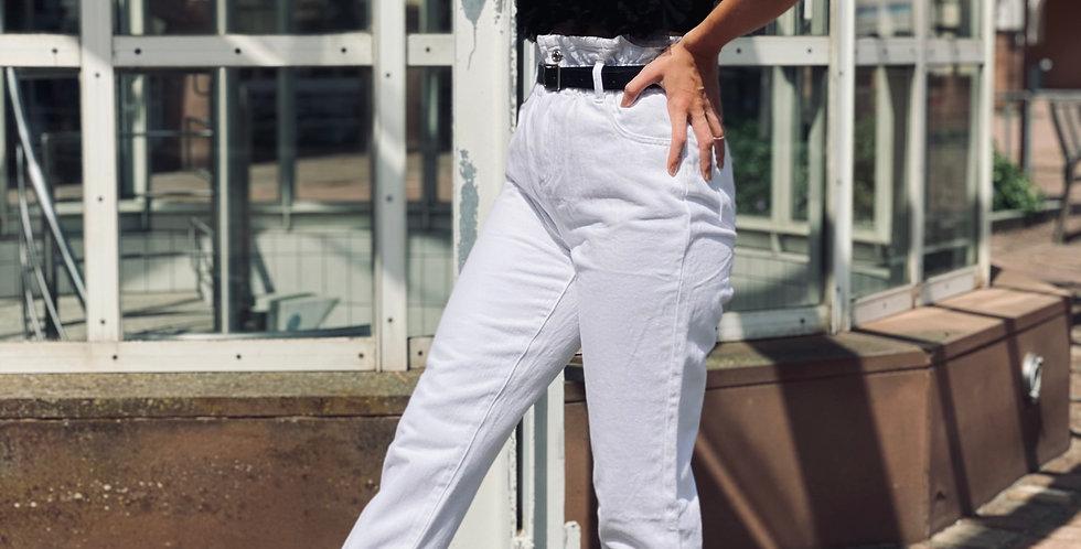 Weiße High Rise Jeans Mit Gürtel