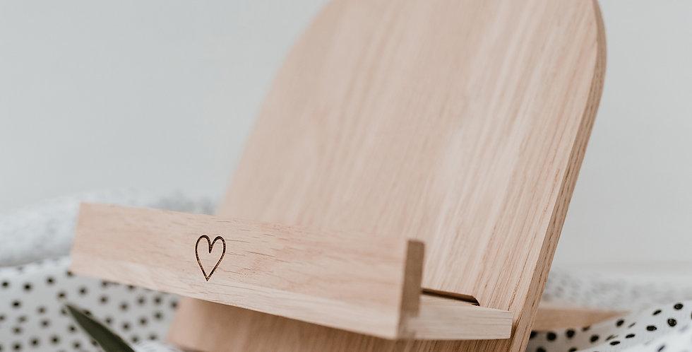 Eulenschnitt -  Buchständer Herz aus Eiche