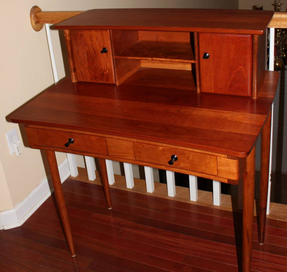 Maloof Style Desk.jpg