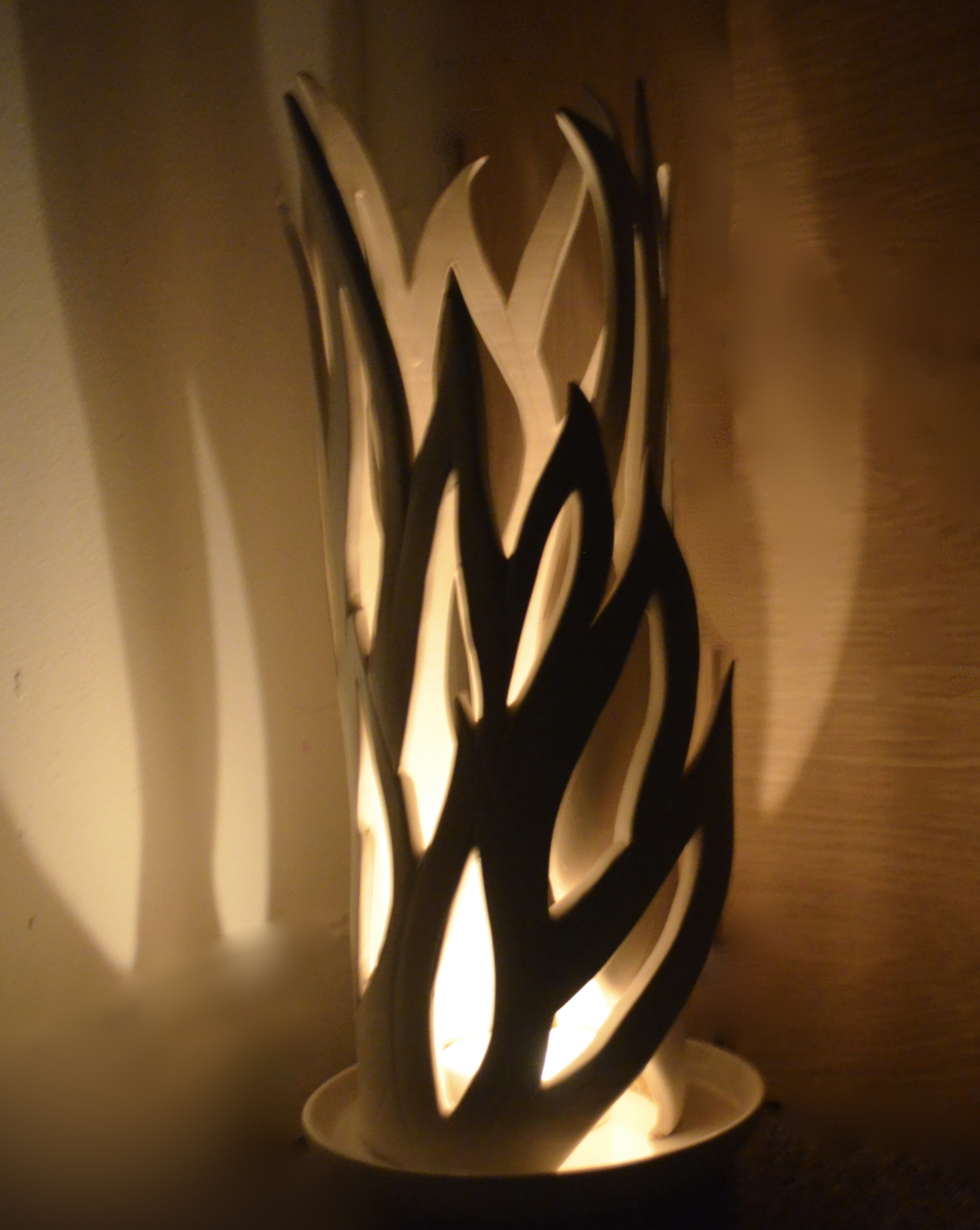 Freestanding candle light