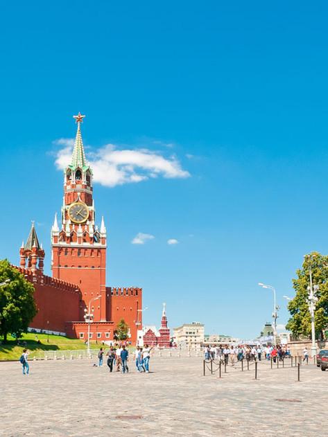 Putin da semana de vacaciones a rusos para frenar la pandemia