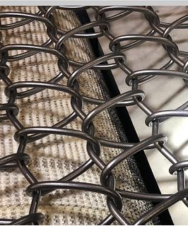 Wire mesh for blasting machine