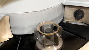 Máquina de jateamento com mesa indexada