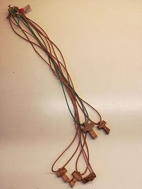 Croce di legno d'ulivo al collo (2,5 x 2cm)