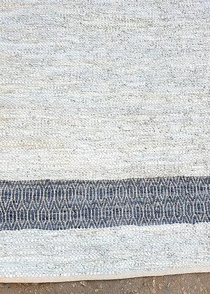שטיח בגוון אבן תכלת לרכישה אונליין