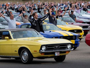 Ford Sets New World Record for Largest Mustang Convoy
