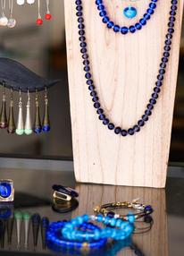 Bijoux composés de perles de verre