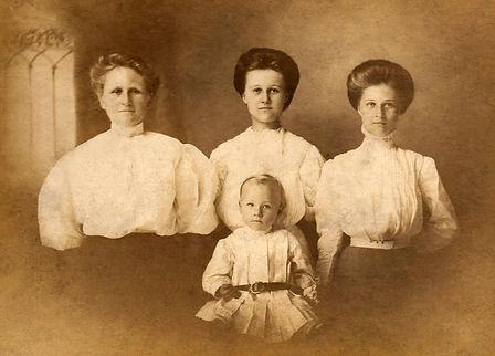Family Photo 1cc6.jpg