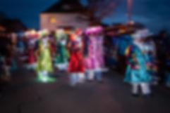 lumiere-carnaval-photo-couleur-deco-evenements-tirage-photographie-photographe-deguisement-fete-char-enfants-famille-spectrs-vivants-guirlandes