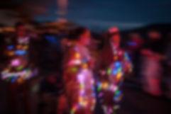 lumiere-carnaval-photo-couleur-deco-evenements-tirage-photographie-photographe-deguisement-fete-char-enfants-famille-guirlande