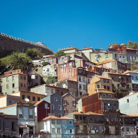Empilement de Maisons, rive sud de Porto
