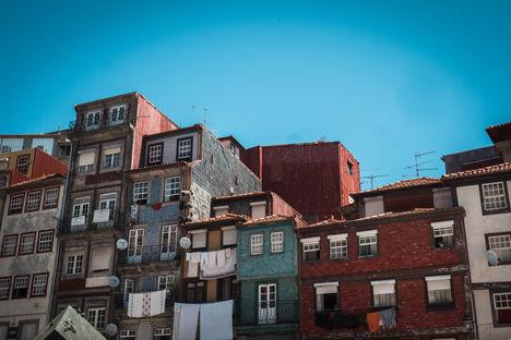 Maisons colorées en escalier
