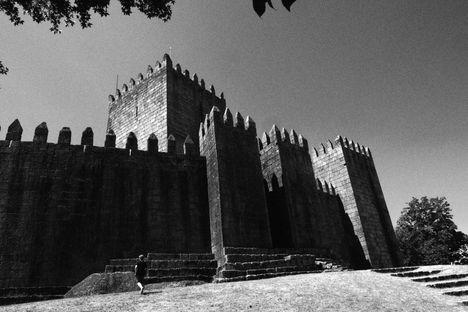 Chateau de Guimareas (Castelo de Guimarães), Noir et Blanc