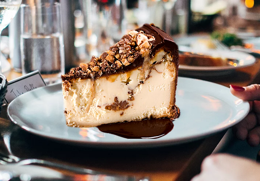 Plate_Snickers_Cheesecake.png