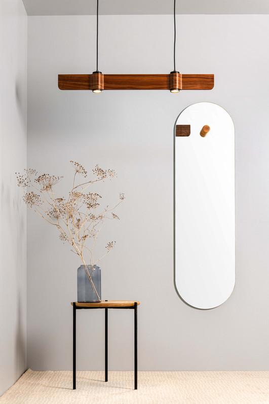 מראת קיר כפתור + מנורת גלים T2 + שולחן צד פנדה לייט