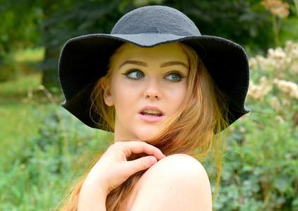 Girl in Floppy Hat