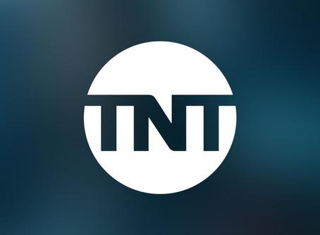 Los viernes se llenan de besos y bailes en TNT