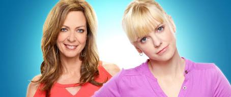 Warner Channel presenta la séptima temporada de Mom