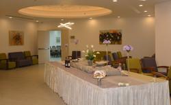 שולחן במרכז כנסים