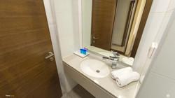 חדר אמבט בית וגן